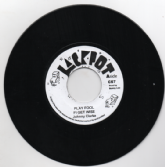 Johnny Clarke - Play Fool Fi Get Wise / version (Jackpot) UK 7""